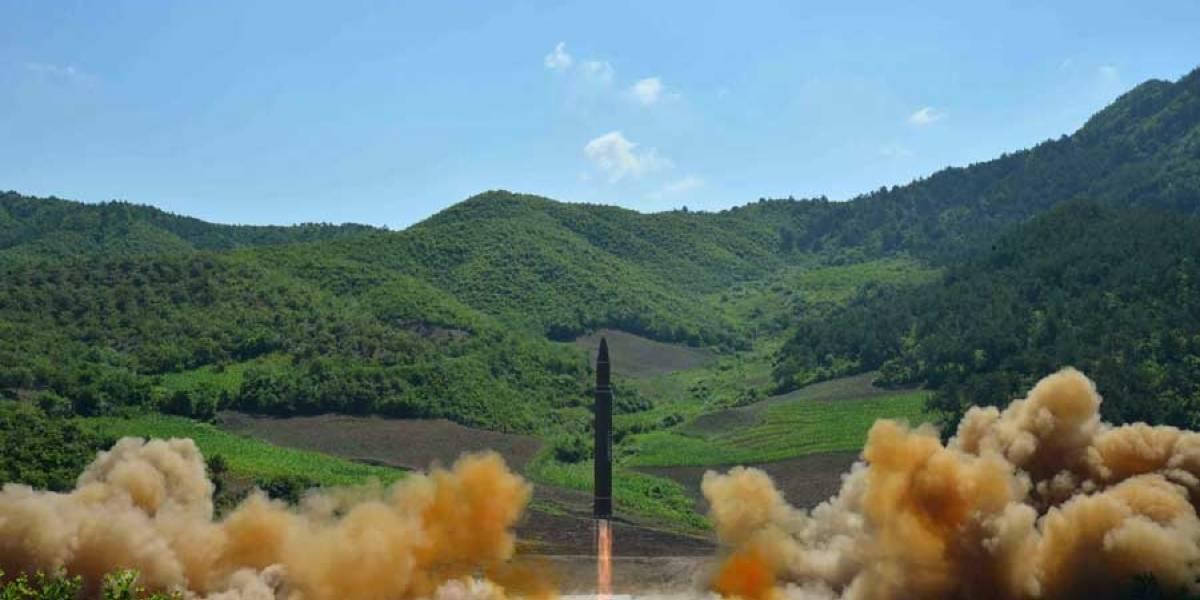 """Kim Jong-Un: el misil fue un """"regalo"""" para EE. UU. por el Día de la Independencia"""