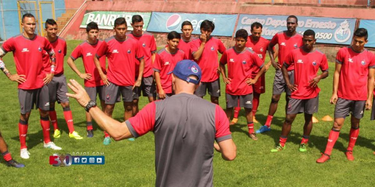 Municipal sorprende con un equipo joven para el Apertura