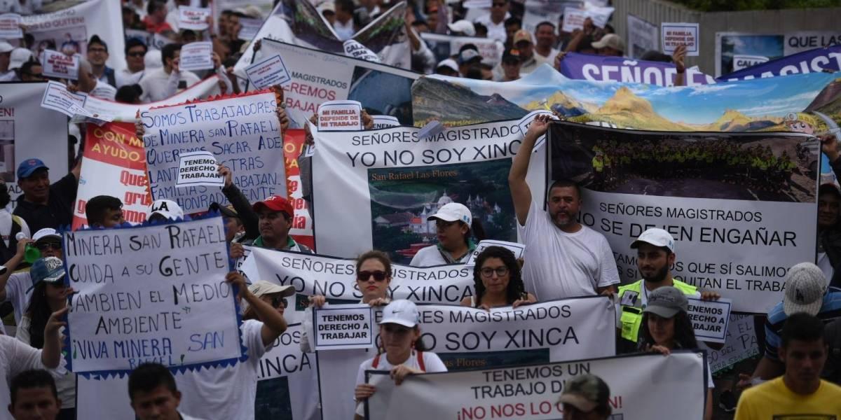 Realizan plantón a favor de la mina San Rafael frente a la CSJ