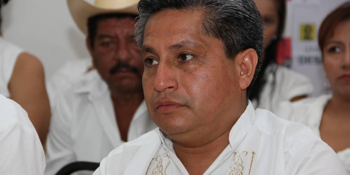 Suspenden derechos a secretario nacional del PRD por apoyar a AMLO
