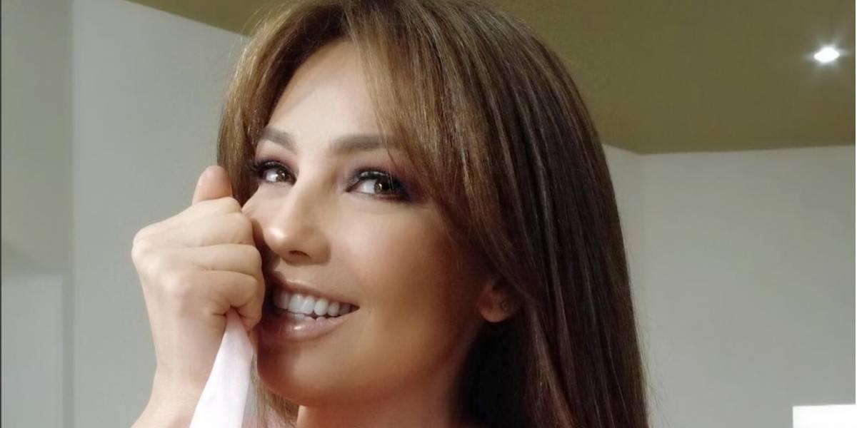 Thalía comparte foto en toalla desde el spa