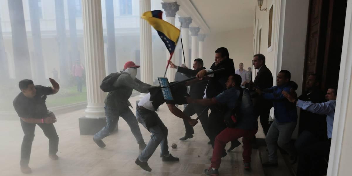 México condena la violencia ocurrida en la Asamblea Nacional de Venezuela