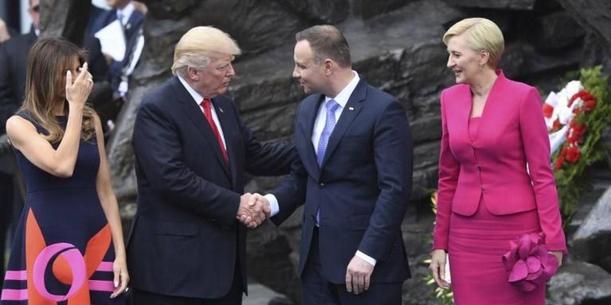 El frustrado saludo entre Trump y la primera dama de Polonia que hace reír en las redes sociales