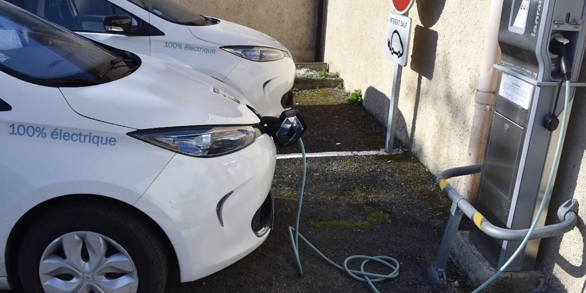 Francia no venderá más autos bencineros y diesel en 2040