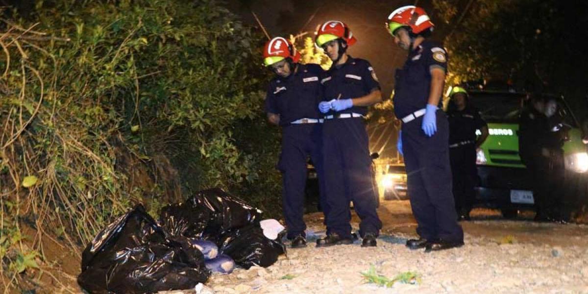 Localizan cuatro cuerpos en carretera que conduce a Canalitos