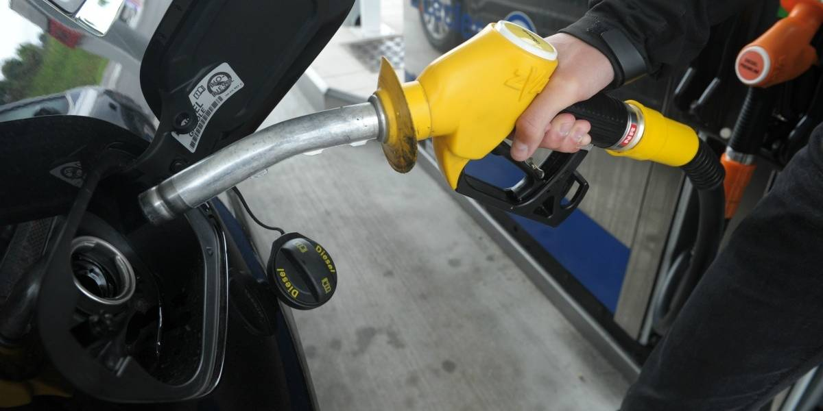 Francia da un gran paso contra el cambio climático: dejará de vender autos a gasolina y diesel en 2040