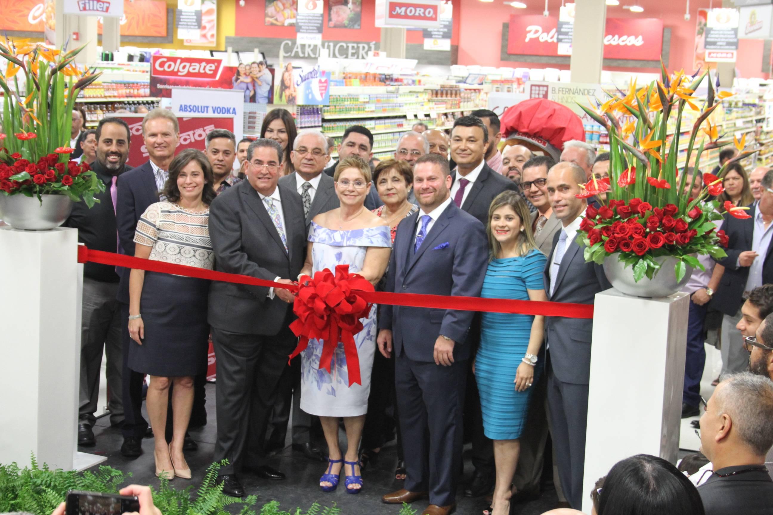 Inauguración de nuevo Supermercado Selectos Bayamón