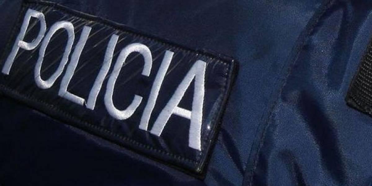 Investigan accidente con auto volcado en Guayama