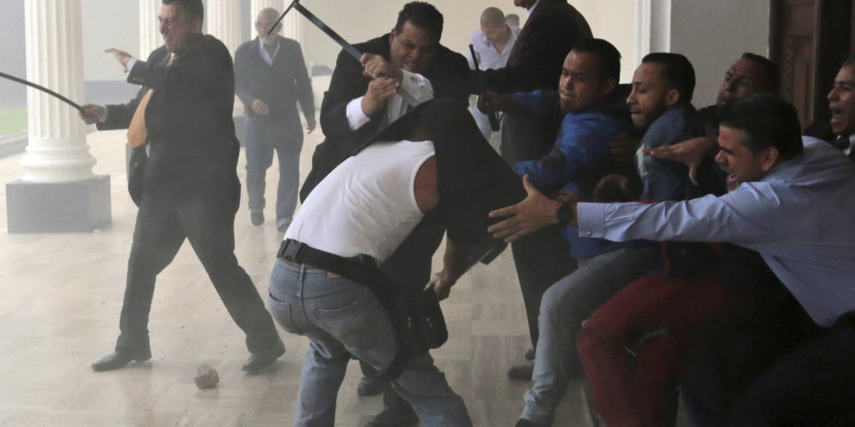 """""""El ataque al Parlamento lo ordenó Maduro"""": presidente de la Asamblea Nacional"""