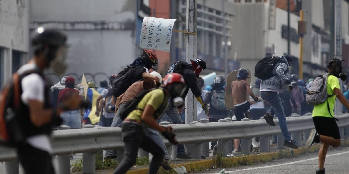 Piden reunión de la OEA por Venezuela mientras crece la tensión