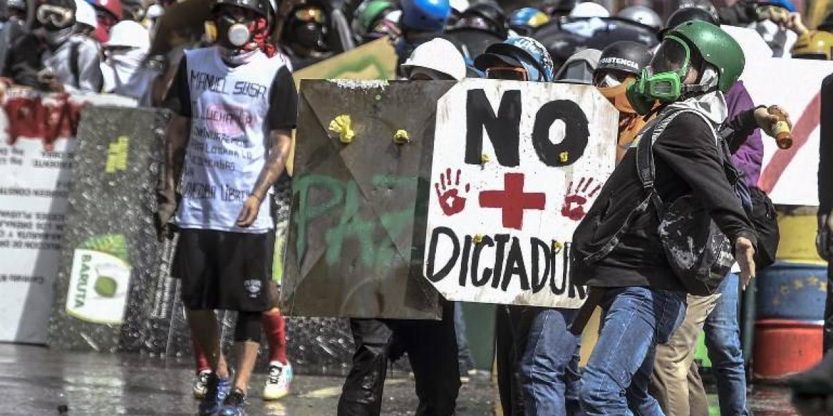 Venezuela cumple 100 días de protestas en medio de una guerra de poderes y con un saldo de 91 muertos