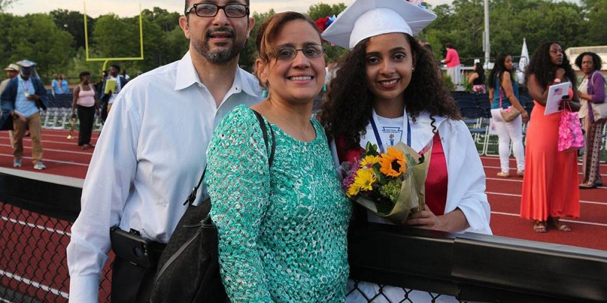 Joven boricua se crece en discurso de graduación en EE. UU.