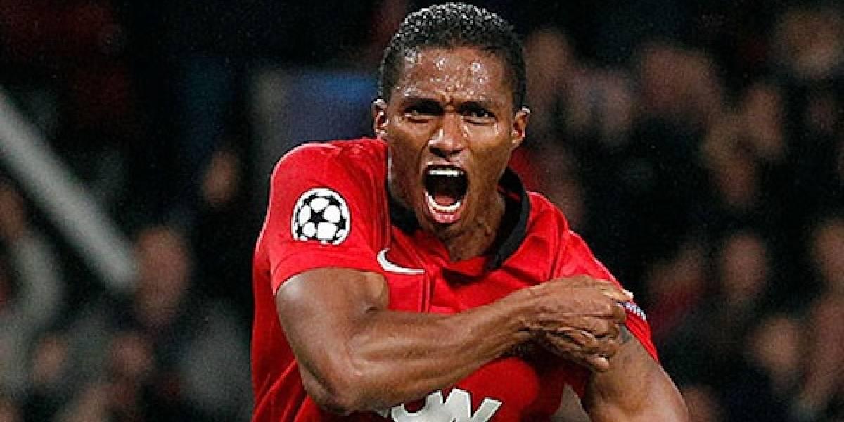 Antonio Valencia marca el primer gol para el Manchester