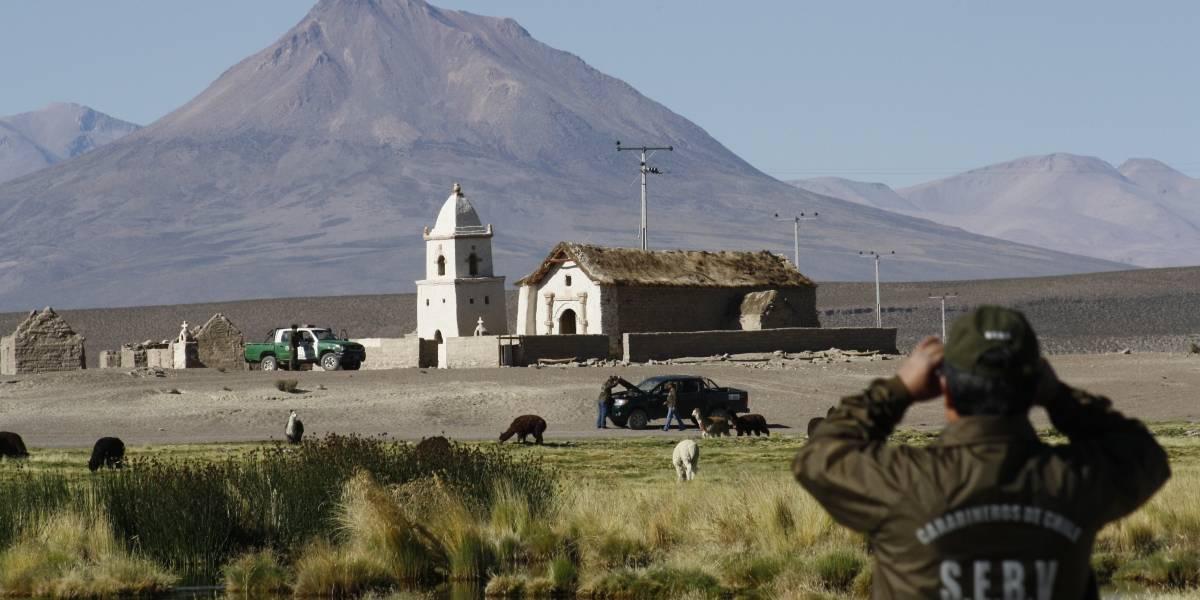 Gobierno de Bolivia acusa que carabineros intentaron fugarse antes de ser detenidos