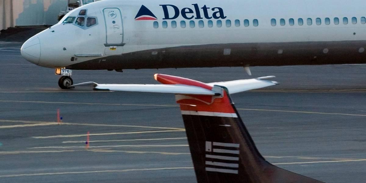 Pasajero golpeó a azafata en avión de Delta Airlines
