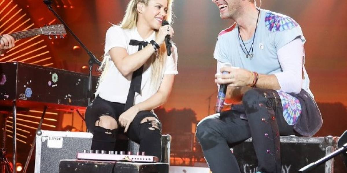 "Chris Martin se convierte en Maluma y canta ""Chantaje"" junto a Shakira"