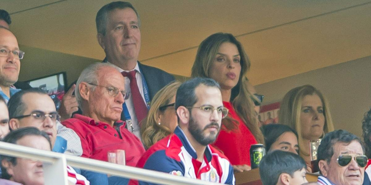 Directivo de Chivas sorprende con su salida de la institución