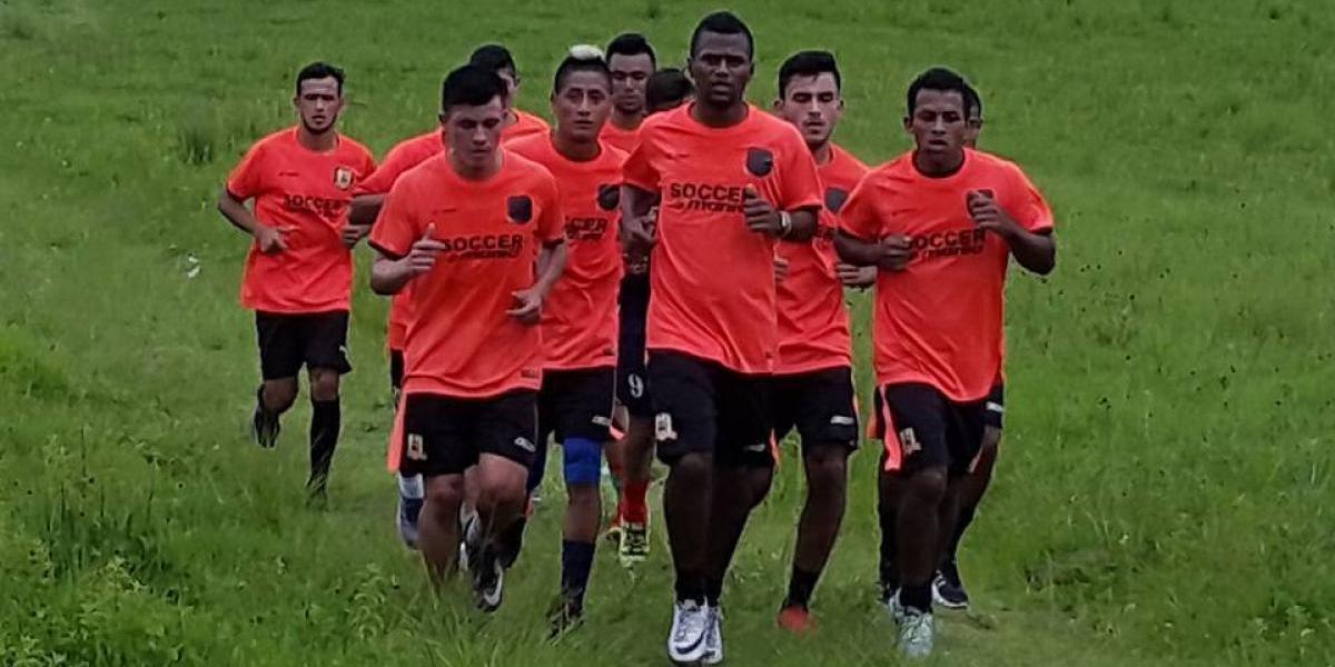 El excompañero de Neymar que jugará en Guatemala