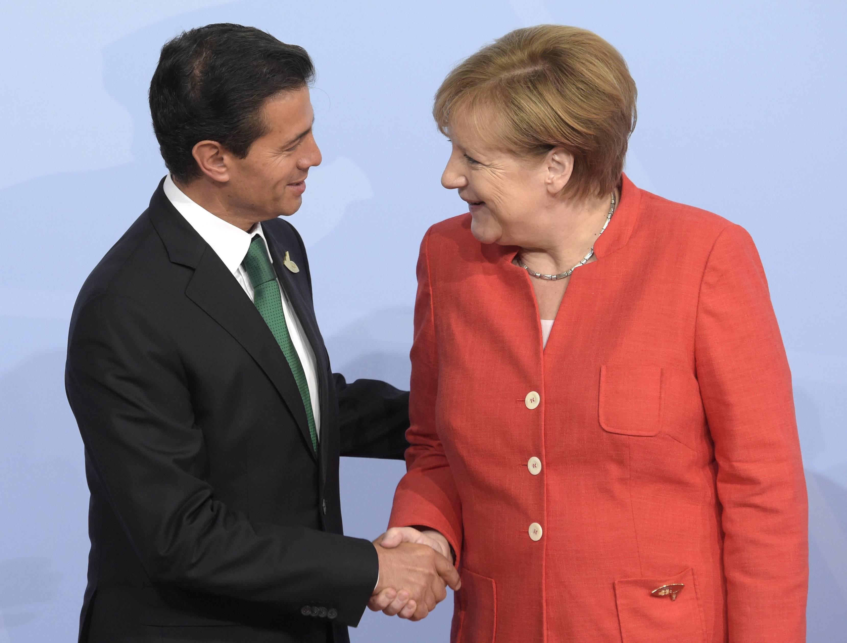 Enrique Peña Nieto con Angela Merkel