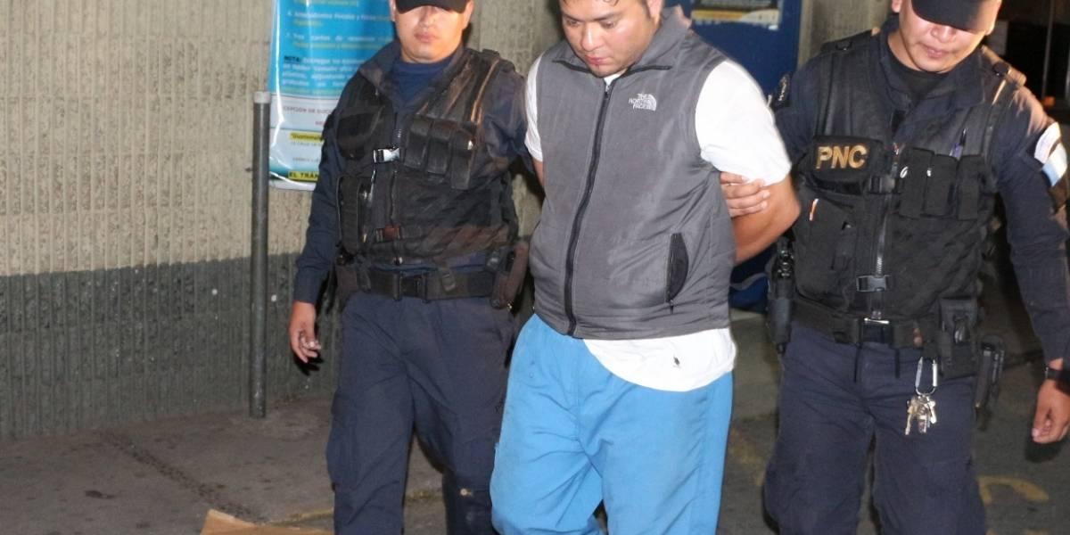 ¡Llevaba restos humanos! Hombre es detenido en zona 7