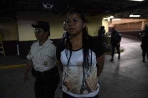 Ingrid Carolina Ixcuna León capturada con cartuchos para fusil