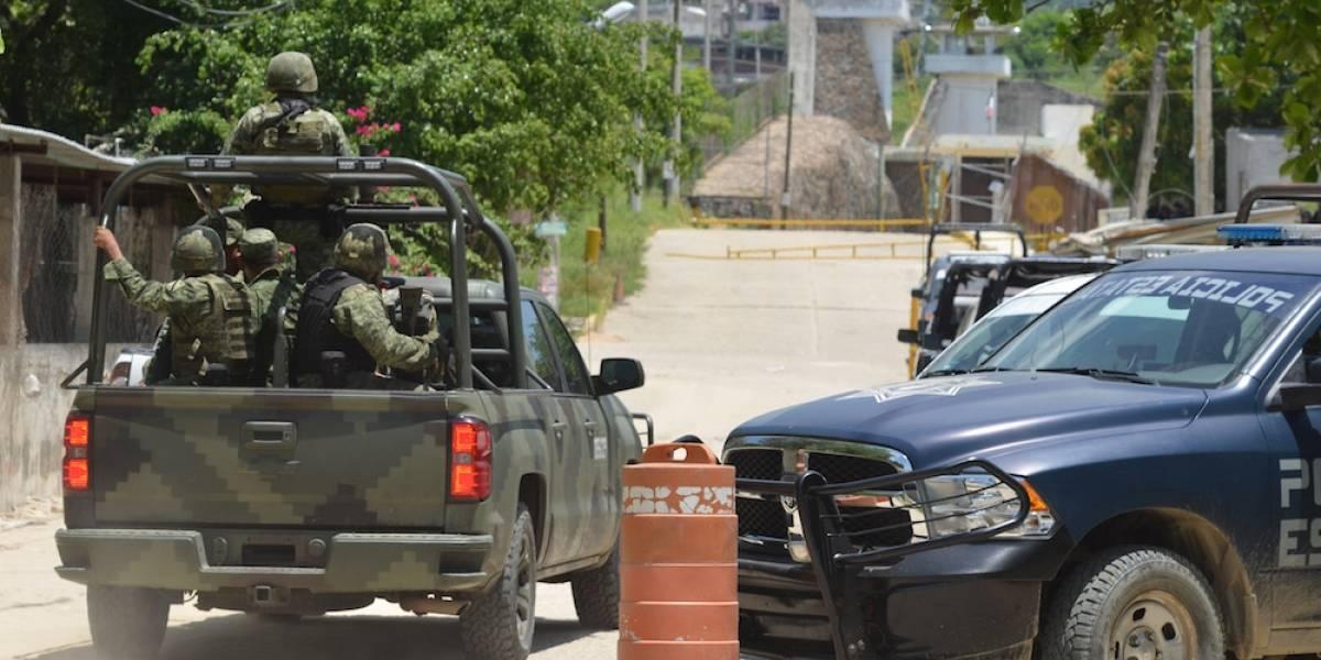Cesan a director del penal de Acapulco tras riña que dejó 28 muertos