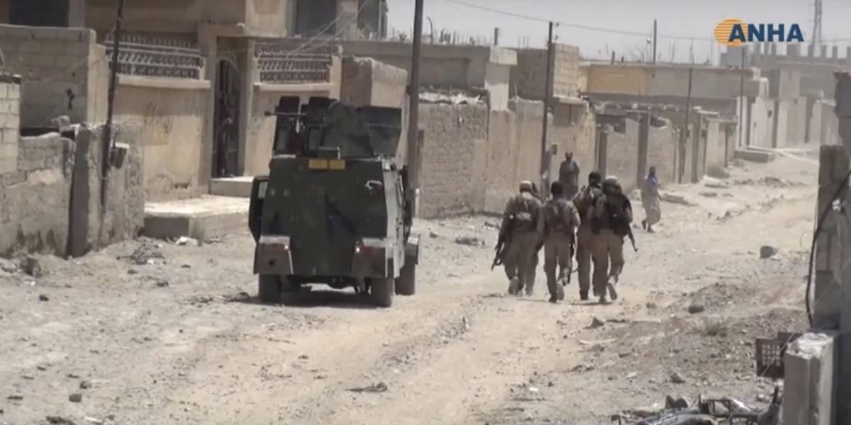 Estado Islámico enfrenta fuerzas sirias en Raqqa