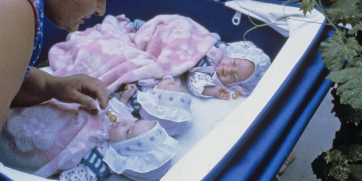 Mujer abandonó a sus trillizas en el hospital y hay más de 200 familias dispuestas a adoptarlas