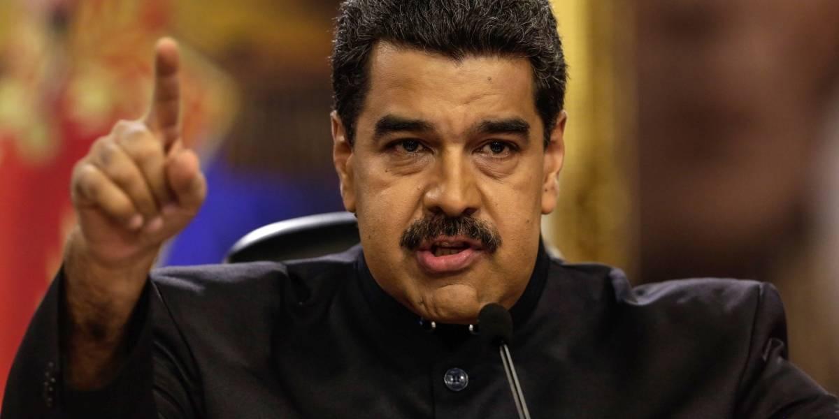 """Maduro tilda a Santos de traidor y lo acusa de haber """"destrozado"""" Colombia"""