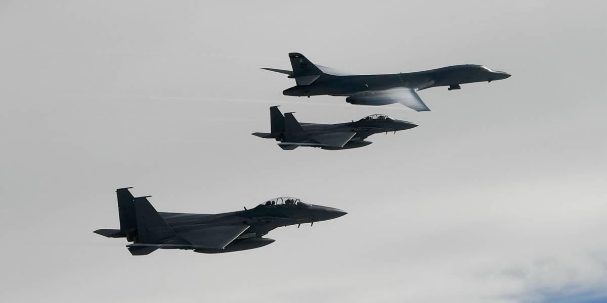 La demostración de fuerza de dos cazabombarderos estadounidenses cerca de la frontera de Corea del Norte