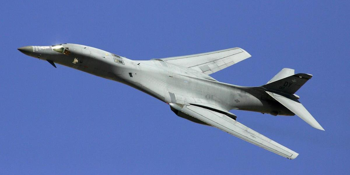 EU envía bombarderos sobre Corea del Sur tras el misil norcoreano