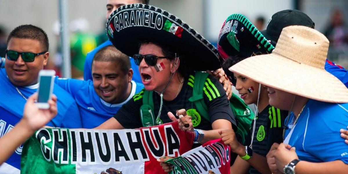 """Reaparece el """"¡eeehh pu...!"""" en el México vs El Salvador"""