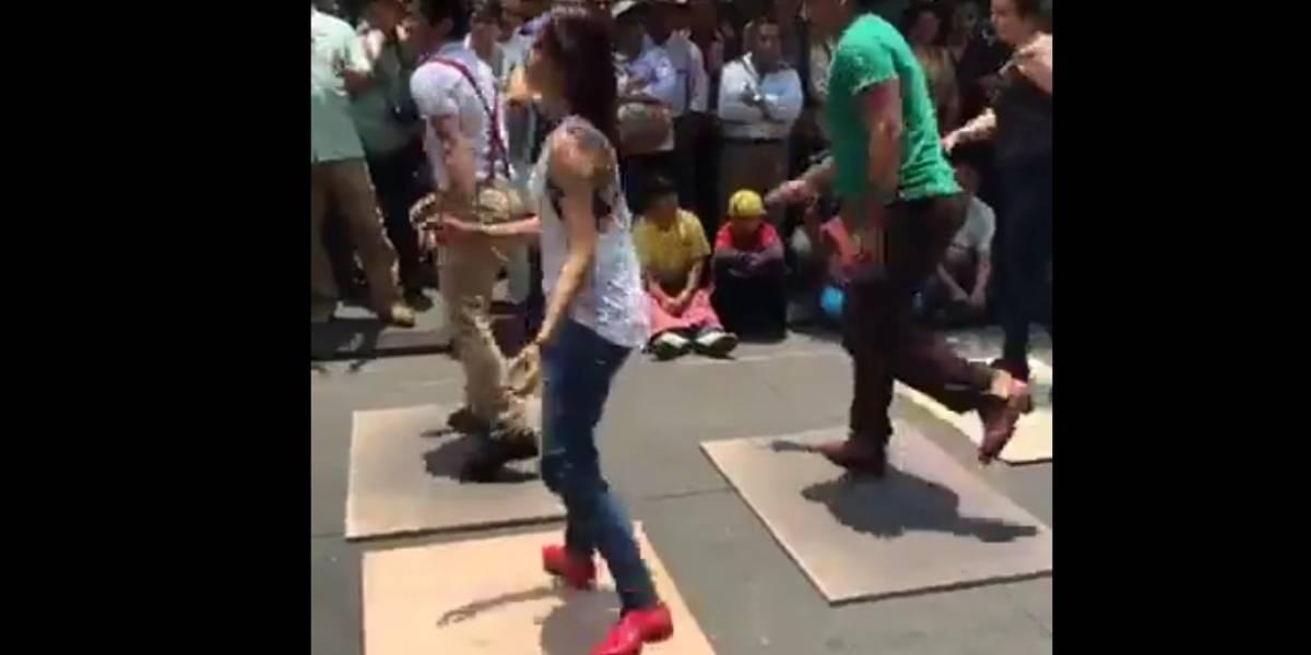 """VIDEO. Sorprenden con un baile de """"tap"""" con marimba en la zona 1"""