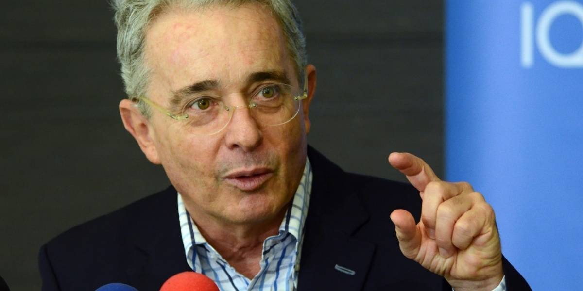 """Uribe dice que López es un """"mártir de la democracia"""" que sigue preso"""