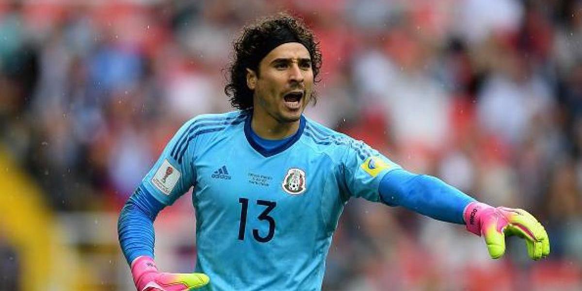Guillermo Ochoa, nuevo jugador del Standard de Lieja