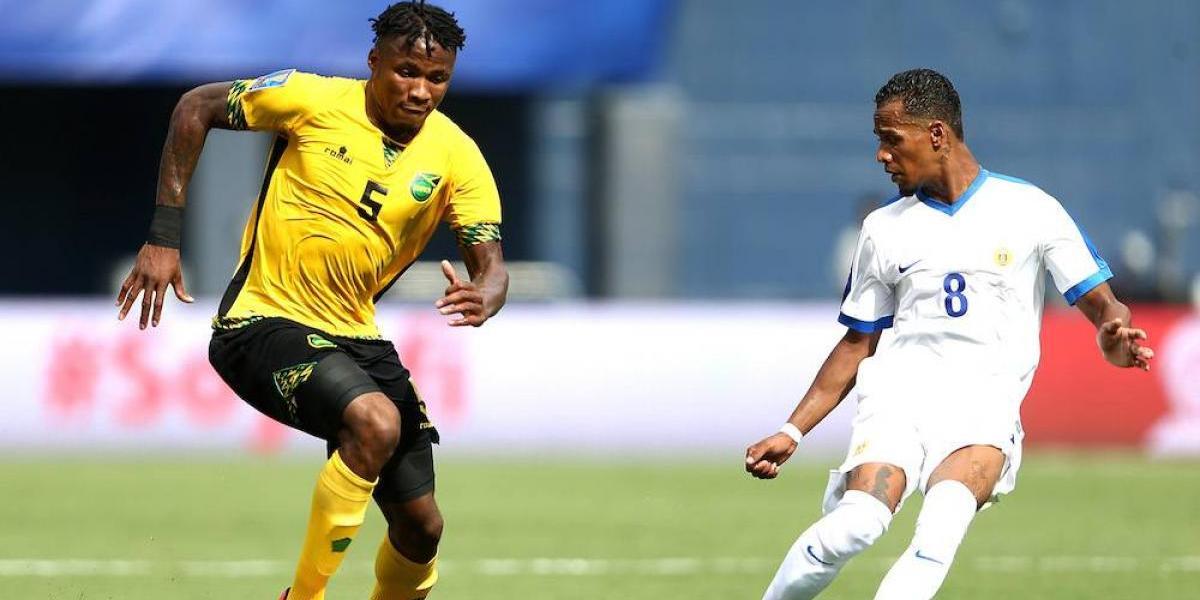 Jamaica aprovecha su mayor experiencia internacional y bate a Curazao