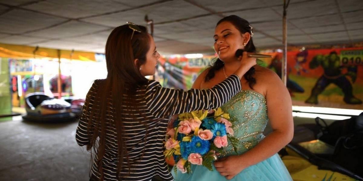 Visita por primera vez la feria del Cerrito del Carmen para realizar su sesión fotográfica por sus XV años