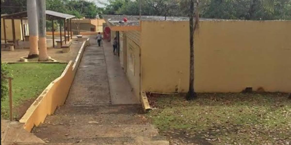 Padres emplazan a alcalde de Bayamón por cierre de escuela