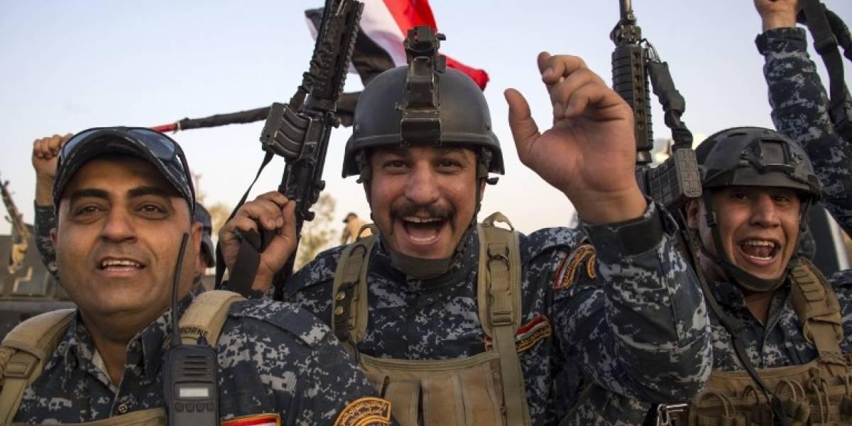 """Trump felicita al primer ministro de Irak por la """"victoria"""" sobre el Estado Islámico en Mosul"""