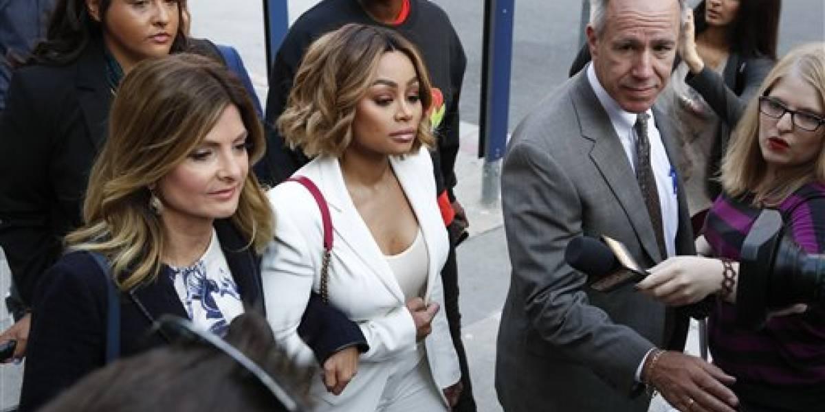 Emiten orden de alejamiento temporal contra Rob Kardashian