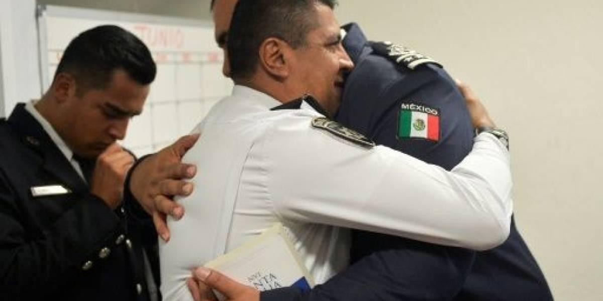 """""""Policía Celestial"""":  la organización que combate la corrupción usando la Biblia en México"""