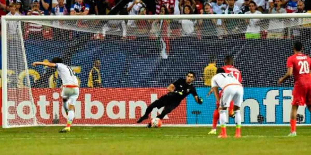 Revelan que Guardado temió por la vida de su familia si fallaba penal en Copa Oro 2015