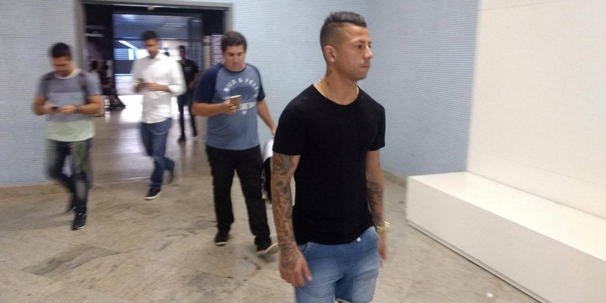 Leo Valencia pasa los exámenes médicos y firmará contrato con Botafogo