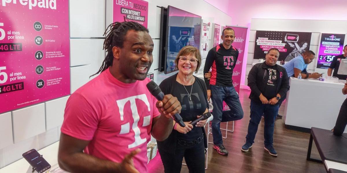 T-Mobile inaugura nueva sucursal en Toa Baja