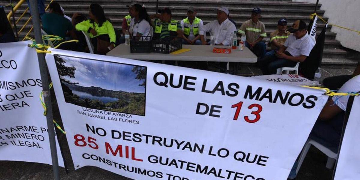 Trabajadores de empresa minera realizan plantón en rechazo a fallo de CSJ