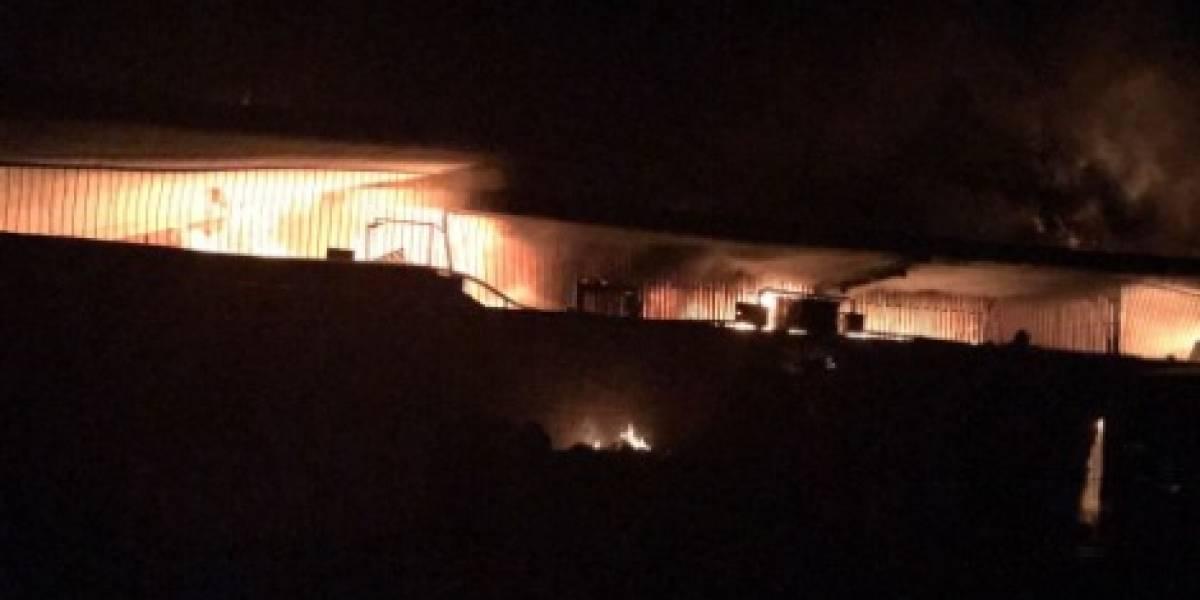 Voraz incendio consumió 400 locales en la Central Mayorista en Medellín