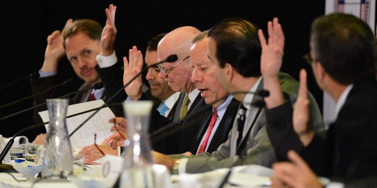 Junta apoya legislación federal que protege inversionistas locales