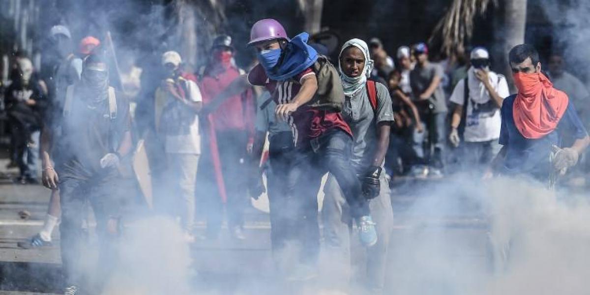 Un menor fallecido y nueve militares heridos en protesta en Venezuela