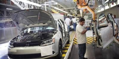 Crecen 12% ventas de autos al extranjero