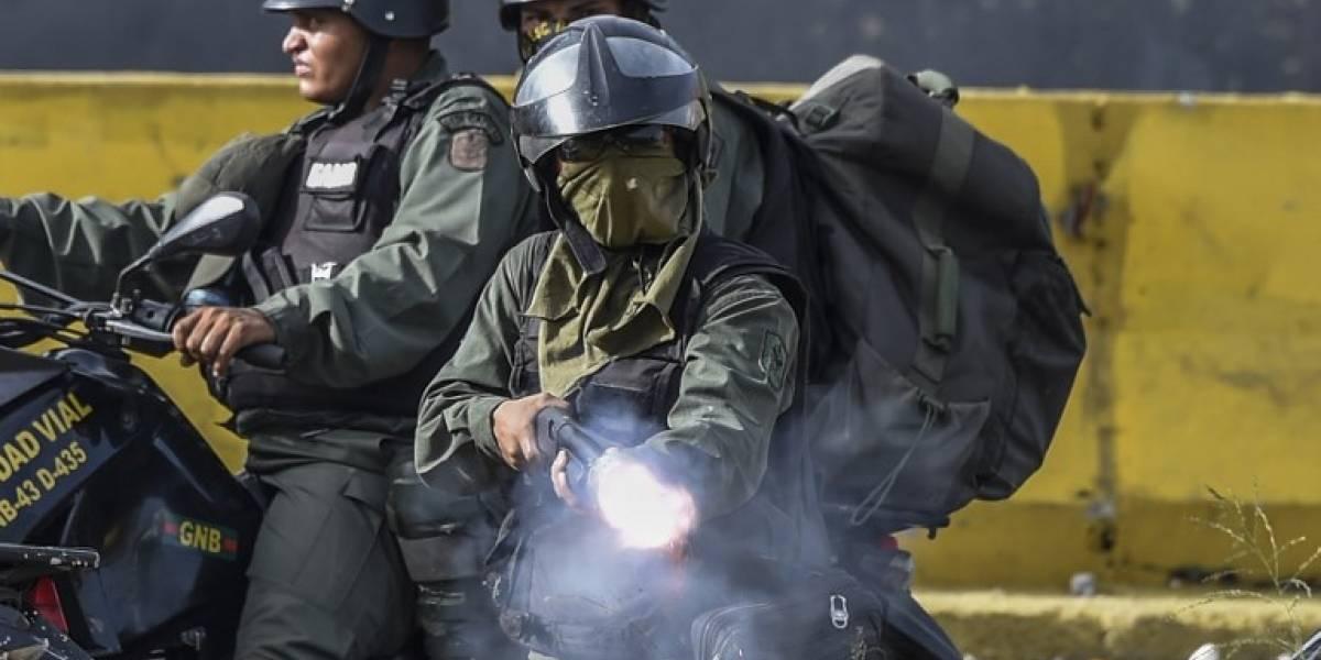 Venezuela: dos muertos y decenas de heridos en otro día de tensión política